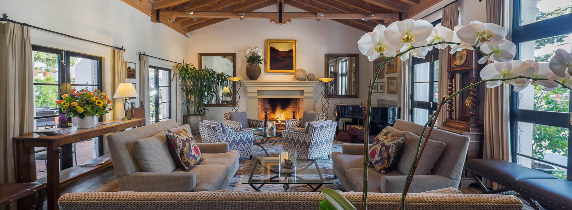 carmel boutique inns cypress inn doris day hotel. Black Bedroom Furniture Sets. Home Design Ideas